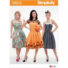 Simplicity Pattern S8979 Misses` Classic Halloween Costume